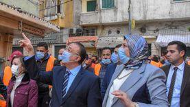 محافظ الإسكندرية يلتقي سكان العقار المائل بكرموز