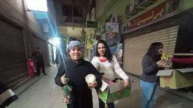 بـ«طبلة مسحراتي».. قبطي يوزع الفوانيس أول رمضان بشوارع الإسكندرية صور