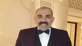 «محسن منصور» يعلق على سقوط ديكور التصوير على قدمه: «ما فيش كسر وبتحسن»