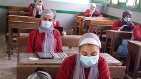 التعليم: نبحث مشكلات أول يوم امتحان تجريبي إلكتروني لتفاديها في الرسمي