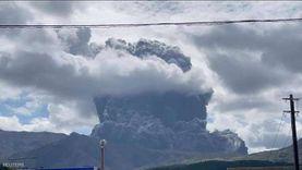 ثوران بركان اليابان وتحذيرات للسكان من الاقتراب من جبل آسو