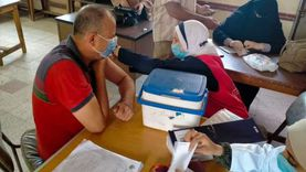 «التعليم» تعلن عدد المستهدف حصولهم على لقاح كورونا: نحو مليون و600 ألف
