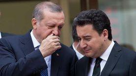 """علي باباجان: تركيا دخلت نفقا مظلما.. ومفتاح تجاوزه يكمن في """"الحرية"""""""