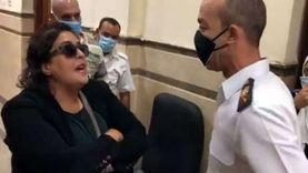 """تأجيل محاكمة """"سيدة المحكمة"""" بتهمة التعدي على ضابط لـ21 أكتوبر"""