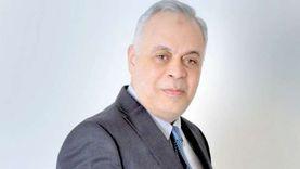 أشرف زكي يتقدم ببلاغ للنائب العام ضد مروجي شائعة وفاة محمود ياسين