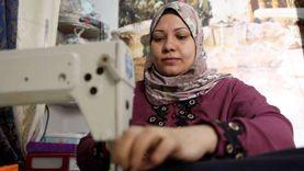 «حياة كريمة» تحقق حلم سيدة بماكينة خياطة في الوادي الجديد