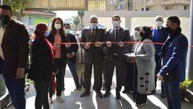 محافظ الجيزة يتابع تطعيم المواطنين بلقاح كورونا في ميت عقبة