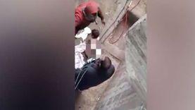 أسرة والد «طفلة التعرية» ترد على اتهامات الفيديوهات المخلة: زوجته اللي خانته