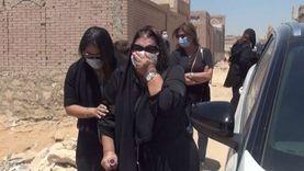 """انهيار ابنة شويكار وأحفادها من البكاء"""" أثناء تشييع جثمانها"""""""