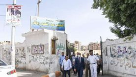 نائب محافظ قنا يتفقد مقار اللجان الانتخابية بعدد من المدن