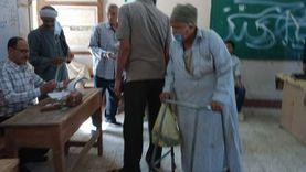 """""""قبل الفطار"""".. مسن يدلي بصوته في الانتخابات بأسيوط: واجب وطني"""