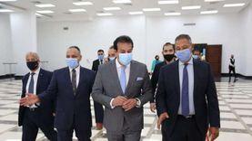 """عبدالغفار يتفقد """"إيفا فارما"""" ويطلع على مشروع تصنيع خامات أدوية كورونا"""