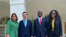 سفير مصر بريتوريا يقيم مأدبة غداء لسفير جنوب أفريقيا الجديد بالقاهرة