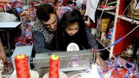 أسرة مسيحية تصنع زينة وفوانيس رمضان بالمحلة: شهر بيفرحنا كلنا