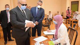 رئيس جامعة القاهرة يتابع امتحانات الدراسات العليا بمعهد الأورام