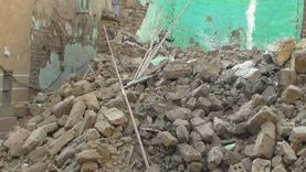 انهيار شرفتين بعقار قديم في مدينة المنيا دون إصابات