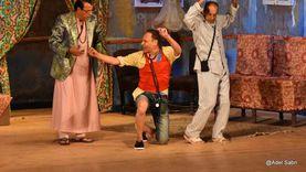 مسرحية عيلة الفقري تستمر بنجاح على المسرح العائم الكبير