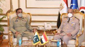 وزير الدفاع يلتقي رئيس هيئة الأركان الباكستانية خلال زيارته لمصر (صور وفيديو)