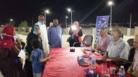 وزير الري يلتقي العاملين داخل متحف النيل