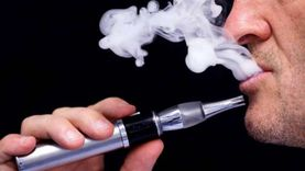 دراسة: السجائر الإلكترونية لا تساعد على الإقلاع عن التدخين التقليدي