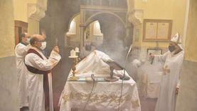 إجراءات جديدة في الكنائس والأديرة بسبب كورونا.. منها تعليق القداسات