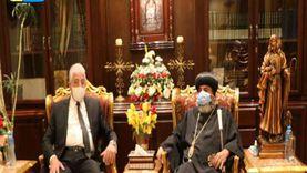 محافظ جنوب سيناء يهنأ الأنبا أبولو بإعادة فتح الكنائس