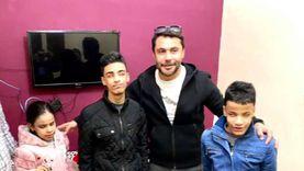 أحمد حسن عن زيارته لأشقاء مكفوفين حافظين للقرآن: هم فخر وسند لنا