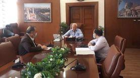 محافظ بورسعيد يناقش الموقف التنفيذي للمشروعات الخدمية والتنموية