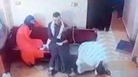 تفاصيل شاب يصطحب زوجته المريضة للطبيب فيموت فى العيادة