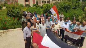 محافظ الشرقية يشيد بمشاركة المواطنين والموظفين في انتخابات الشيوخ