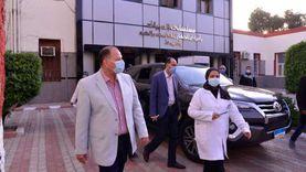 محافظ أسيوط يتفقد سير العمل بمستشفى الحميات ومخزن المستلزمات الطبية