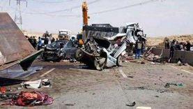 مصرع 17 وإصابة 5 في تصادم سيارة نقل بميكروباص على «الدائري الأوسطي»