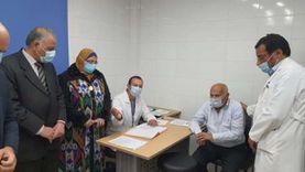 توافد المواطنين على مستشفى كفر شكر لتلقي الجرعة الأولى من لقاح كورونا
