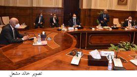 """""""صناعة البرلمان"""" تدعو رجال الأعمال للاستثمار في سيناء والقناة"""
