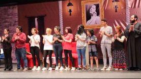 """مسرح شو يختتم موسمه الأول بـ""""علامة استفهام"""" وسط إشادة الجمهور"""