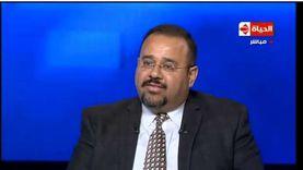 أستاذ بجامعة أمريكية يحذر من زيادة عدد مصابي كورونا في مصر خلال العيد