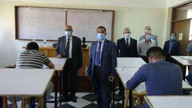 """رئيس جامعة المنيا يتابع امتحانات الفرق النهائية بـ""""الهندسة"""""""