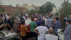 تشييع جثمان 3 ضحايا من أسرة واحدة بعد مصرعهم بحادث في كفر الشيخ