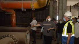 محافظ أسيوط يتفقد أعمال إحلال وتجديد محطة مياه التشيكي بحي شرق
