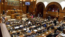 صور.. تفاصيل 4 ساعات تحت القبة لمناقشة مشروع لائحة مجلس الشيوخ