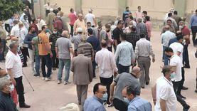 تشييع جثمان الكابتن إبراهيم يوسف من مسجد قادوس بالمحلة (صور)