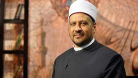 مستشار المفتي يوضح حكم رفع اليدين للدعاء في خطبة الجمعة