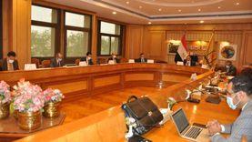 جامعة حلوان تناقش بدء الدراسة بكلية الدراسات العليا مع الأعلى للجامعات
