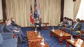 وزير الخارجية يلتقي رئيس كينيا في أولى محطات جولته الأفريقية