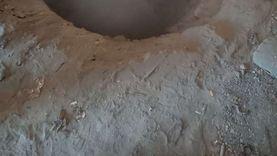 القبض على «نجار مسلح» يحفر أسفل منزله بحثا عن الآثار