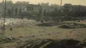 انقلاب «شاحنة زيت» بعد اصطدامها بـ«جامبو» على طريق بلبيس (صور)