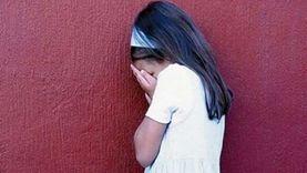 عاجل.. الأمن يواجه المدرس المتحرش بالطفلة بفيديو الواقعة