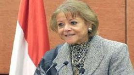فايزة أبوالنجا تدلي بصوتها في انتخابات الشيوخ بالزمالك
