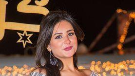 مذيعة تحتفل بخلعها من زوجها: «مفرحتش يوم فرحي زي ما أنا فرحانة دلوقتي»