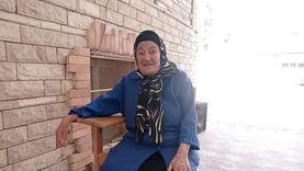 أم محمد فراشة بمدرسة في بورسعيد: 55 سنة بشتغل بدون إجازات بعد وفاة زوجي